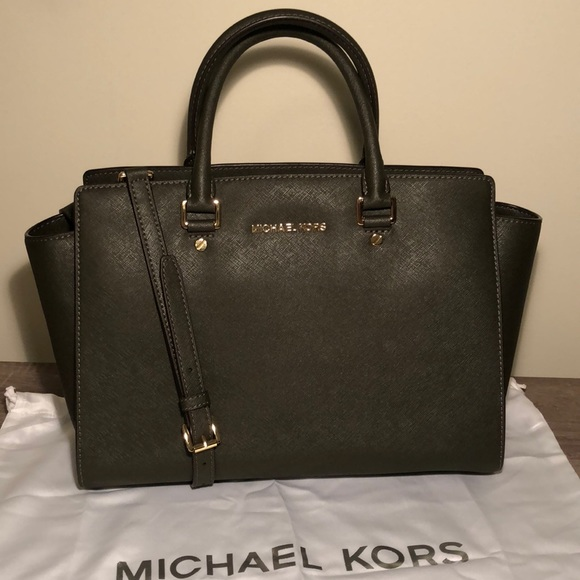8b5bafc8c212 Michael Kors Selma saffiano leather medium satchel.  M_5a7897c605f430d365361675